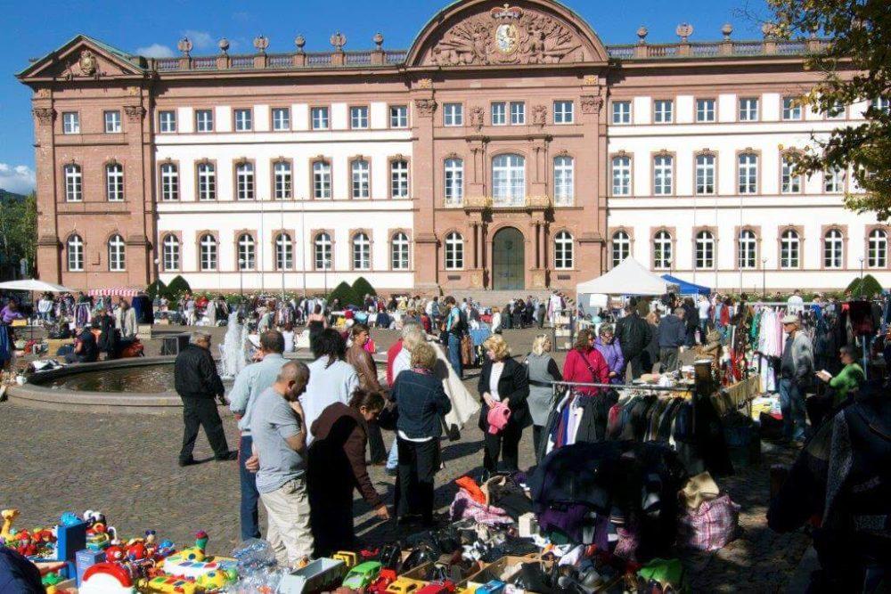You are currently viewing Flohmarkt – Schlossplatz